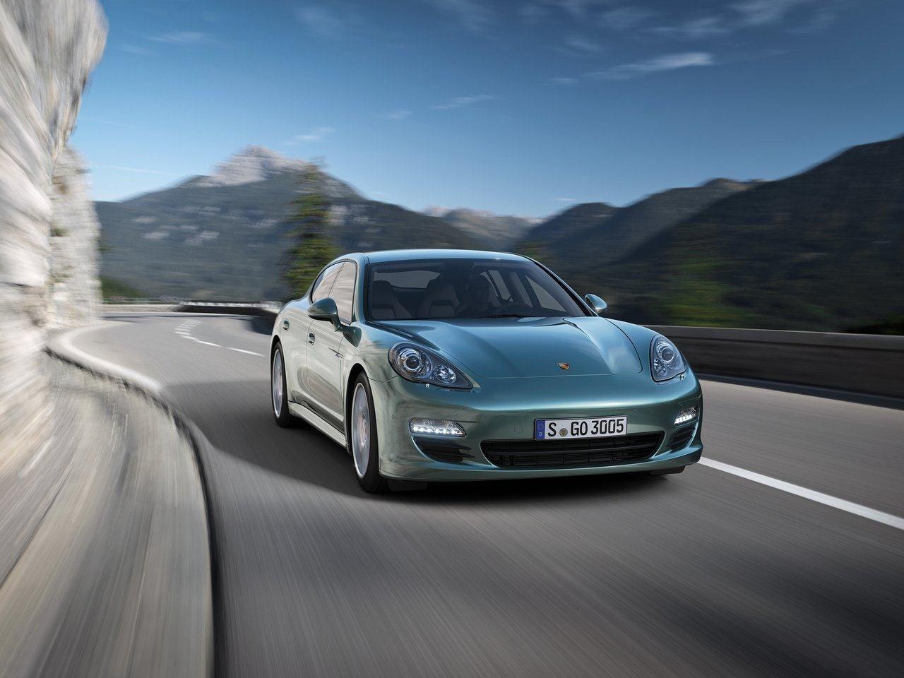 Francfort 2013 : la Porsche Panamera diesel gagne 50 chevaux