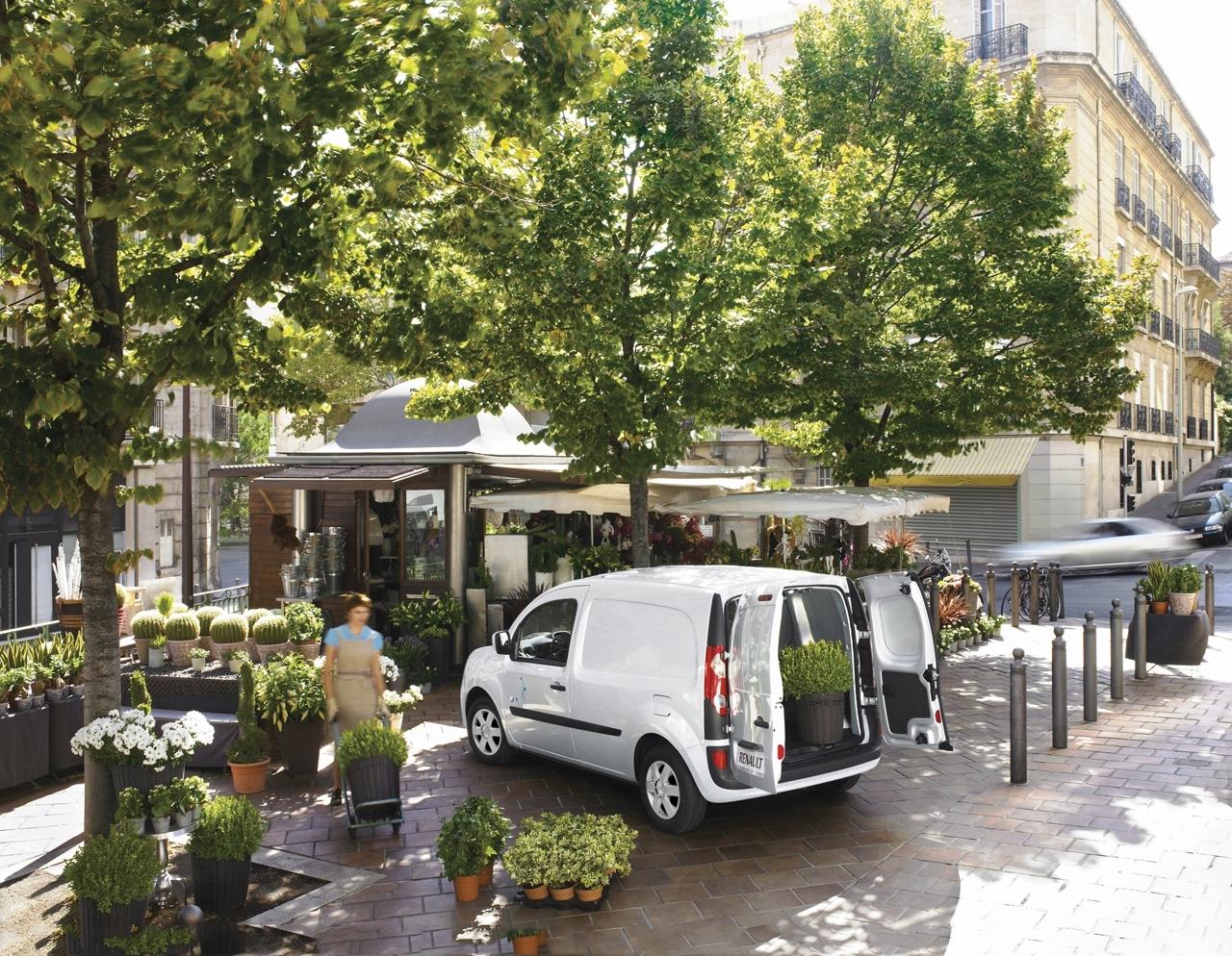 Les premiers véhicules électriques de Renault seront vendredi en concession