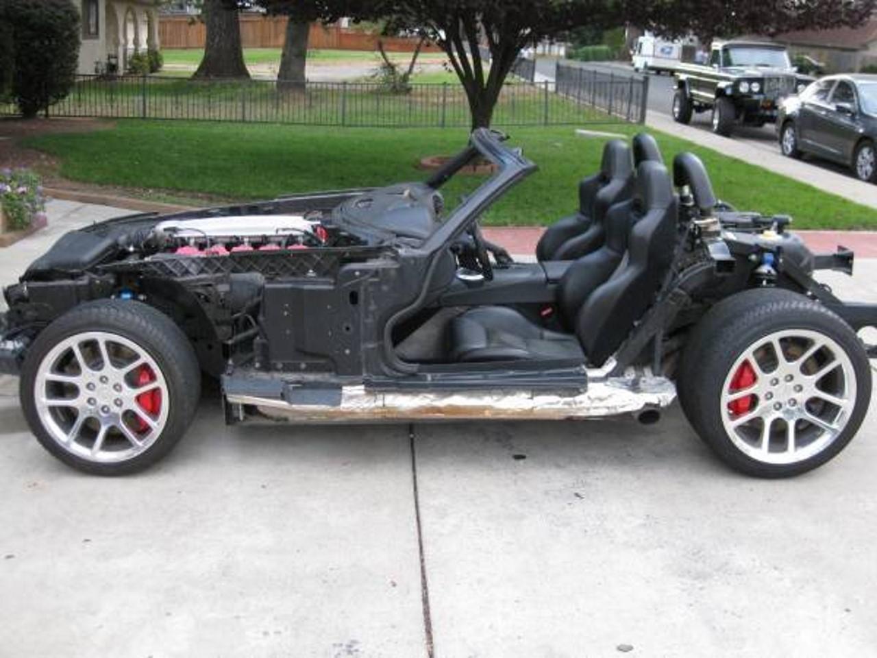 Ceci était une Dodge Viper (mais ça, c'était avant)