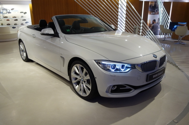 news auto premier contact nouvelle bmw s rie 4 cabriolet 321auto. Black Bedroom Furniture Sets. Home Design Ideas