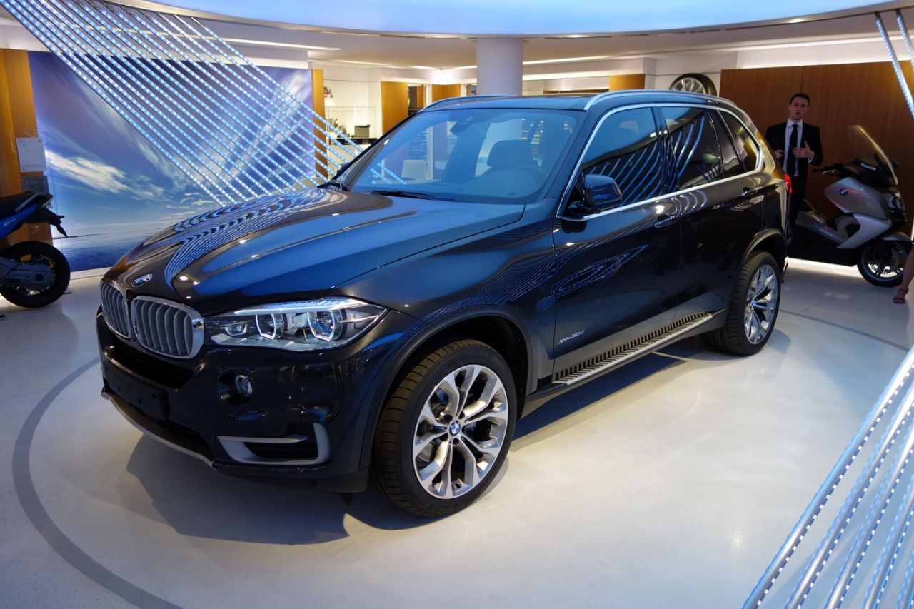 news auto bmw x5 toutes les news automobiles insolites du web 321auto. Black Bedroom Furniture Sets. Home Design Ideas