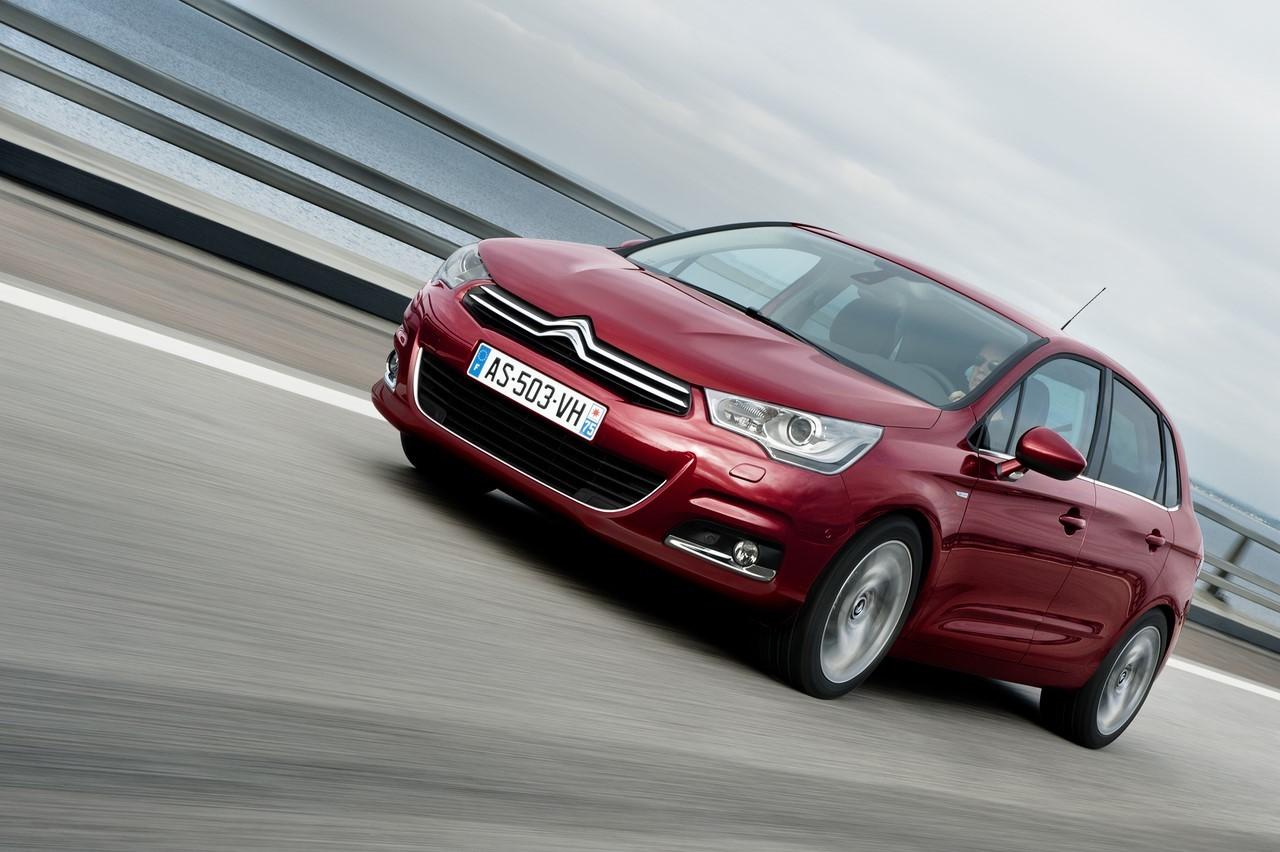 Le nouveau moteur 1.2 e-THP 130 prend place dans la Citroën C4