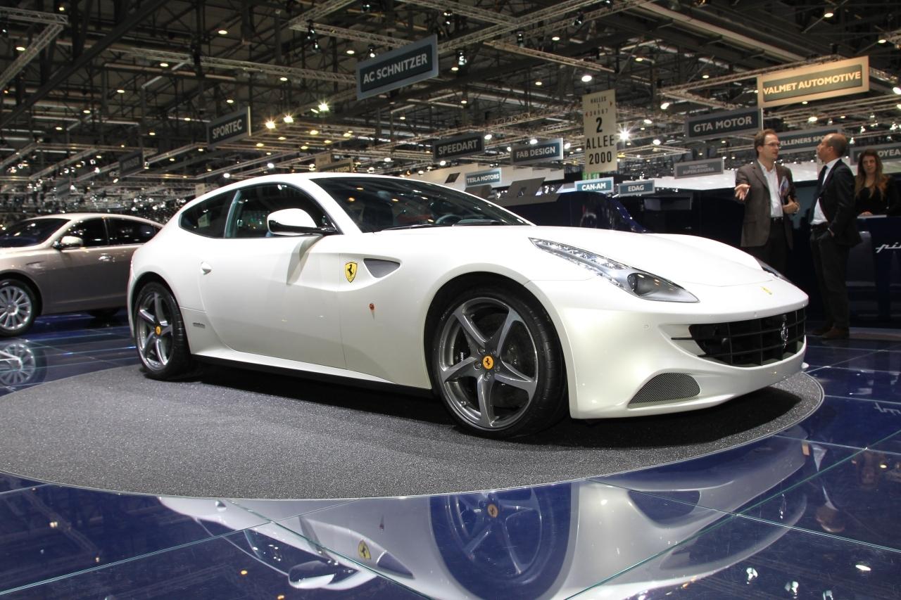 Ferrari ose les quatre roues motrices