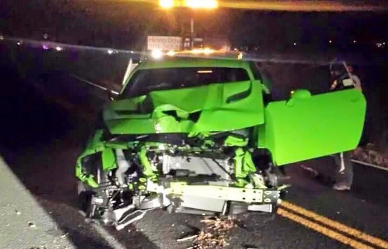 Il détruit sa Dodge Challenger Hellcat quatre heures après son achat