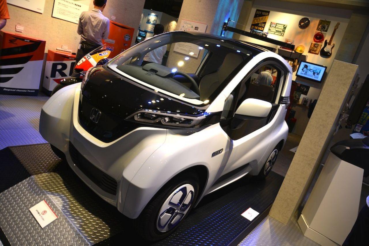 En direct de Tokyo : Honda Micro Commuter, une voiture électrique connectée