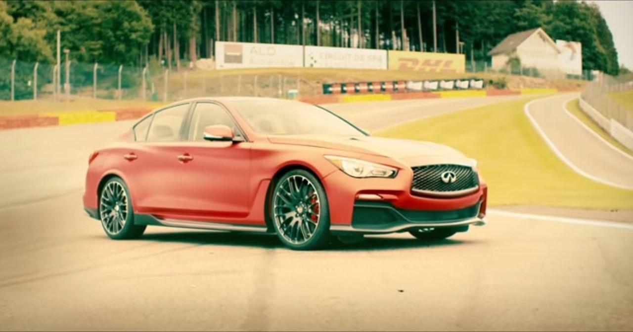 Vidéo : Sébastien Vettel fait rugir la Q50 Eau Rouge à Spa