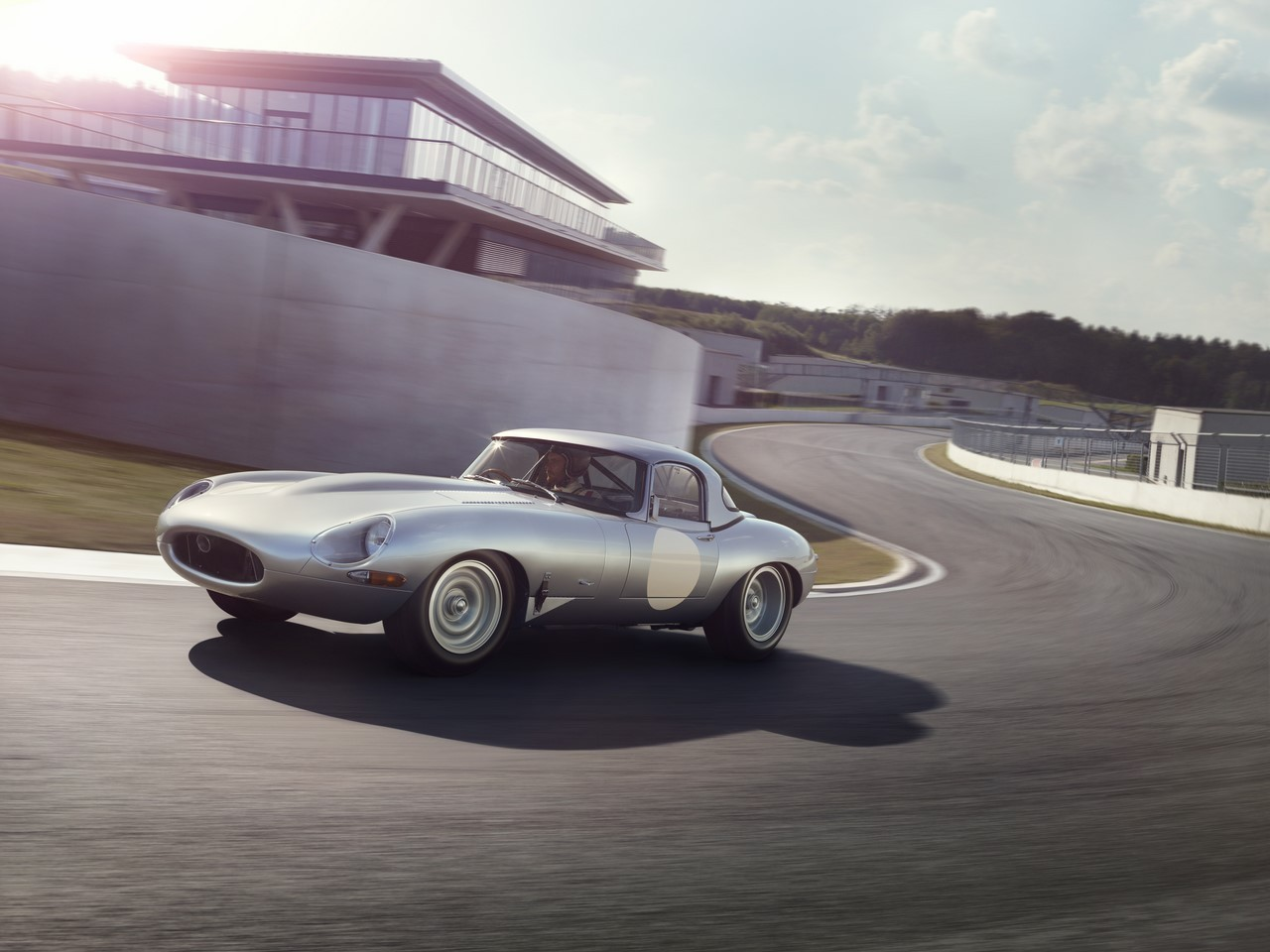 Jaguar Type E Lightweight : du neuf avec du vieux