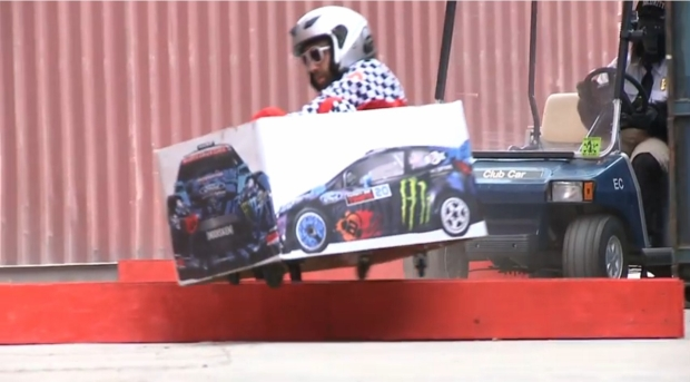 news auto ken box la parodie des gymkhanas de ken block en kart lectrique 321auto. Black Bedroom Furniture Sets. Home Design Ideas