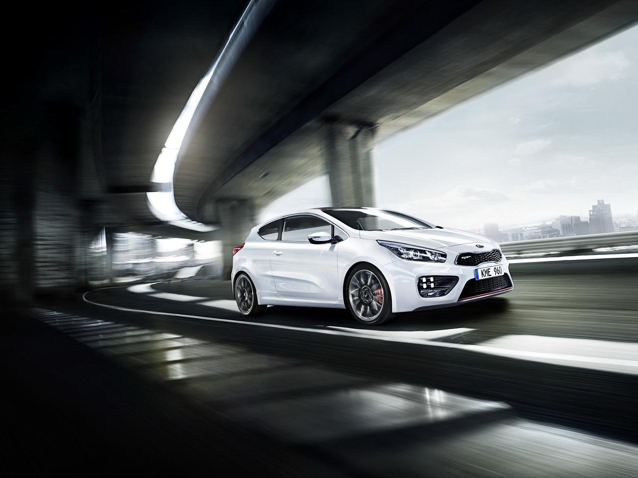 La Kia pro-cee'd GT se dévoile avant le salon de Genève