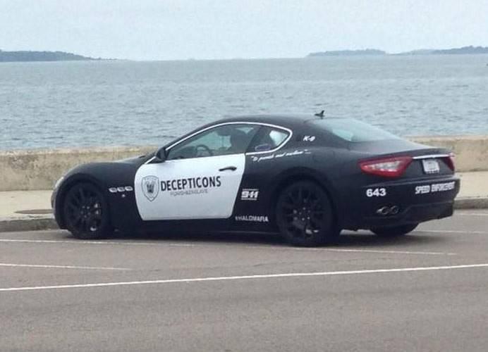 Arrété pour avoir transformé sa Maserati aux couleurs de la police