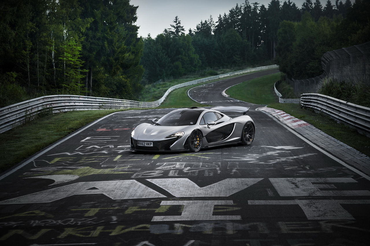 VIDEO - Moins de 7 minutes sur le Nürburgring pour la McLaren P1