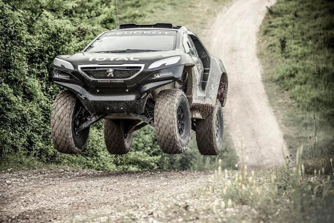 Le Peugeot 2008 DKR dans ses ouvres (Vidéo)