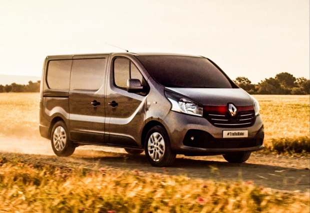 news auto vid o le nouveau renault trafic se prend. Black Bedroom Furniture Sets. Home Design Ideas