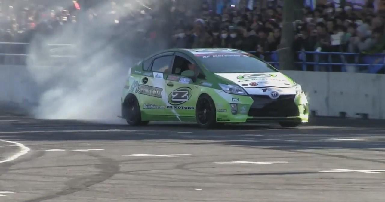 Insolite : une Toyota Prius transformée en redoutable drifteuse