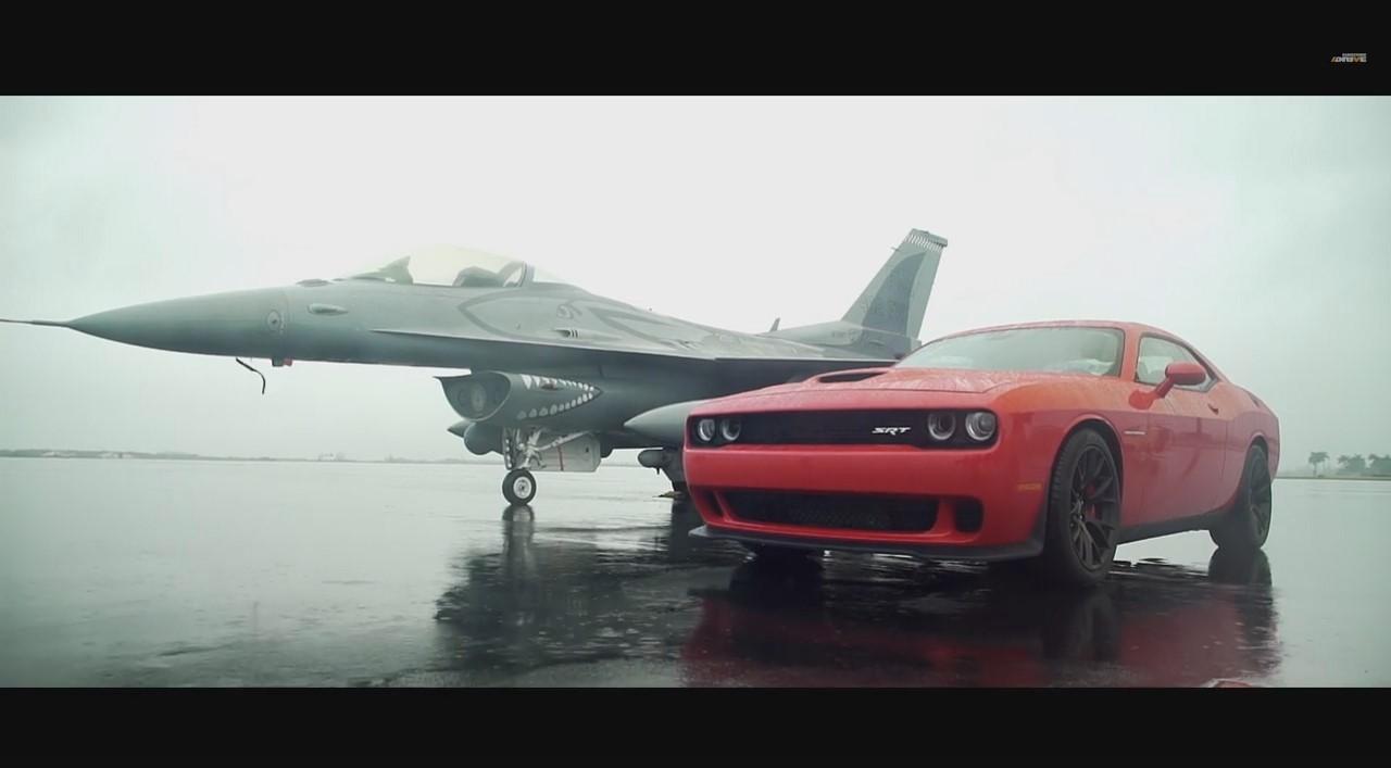 Vidéo : la Dodge Challenger SRT Hellcat se frotte à un F-16