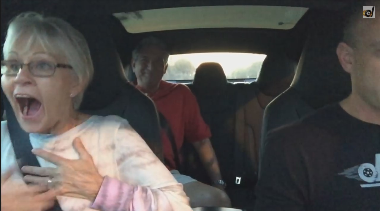 Vidéo : des passagers scotchés par le mode Insane de la Tesla S P85D