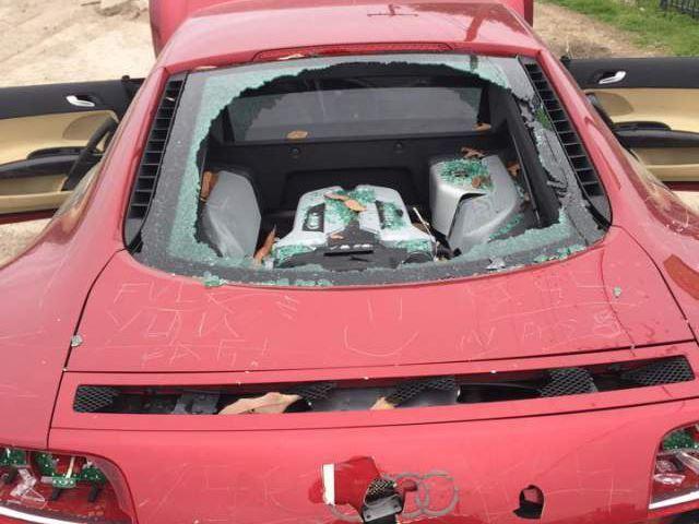 Sa femme ravage son Audi R8 flambant neuve
