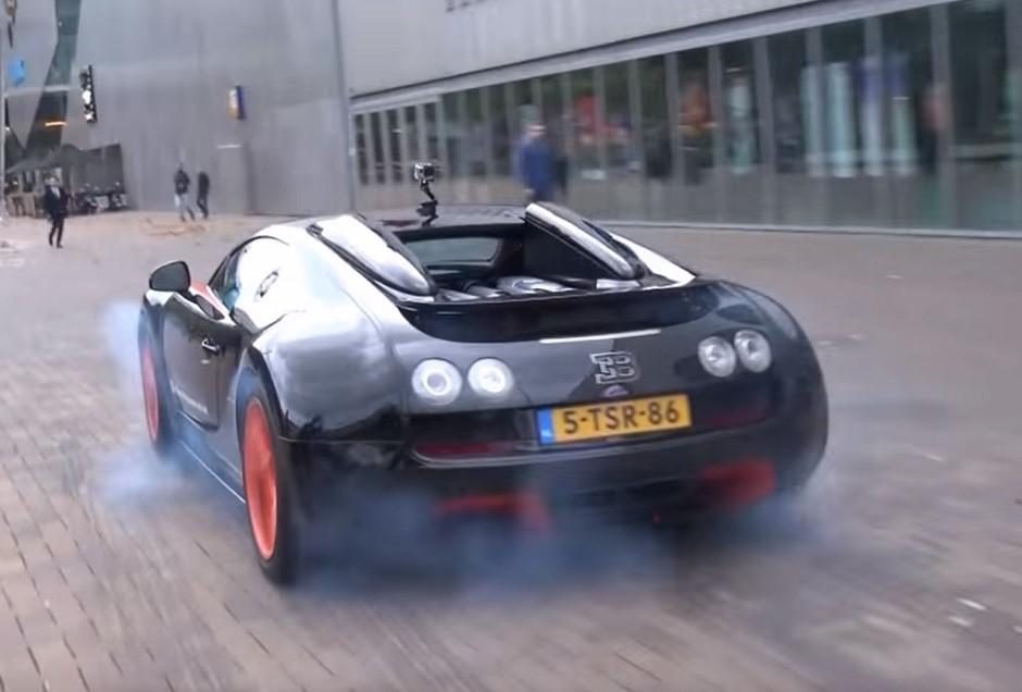 Vidéo : grosse Bugatti Veyron, tout petit burn