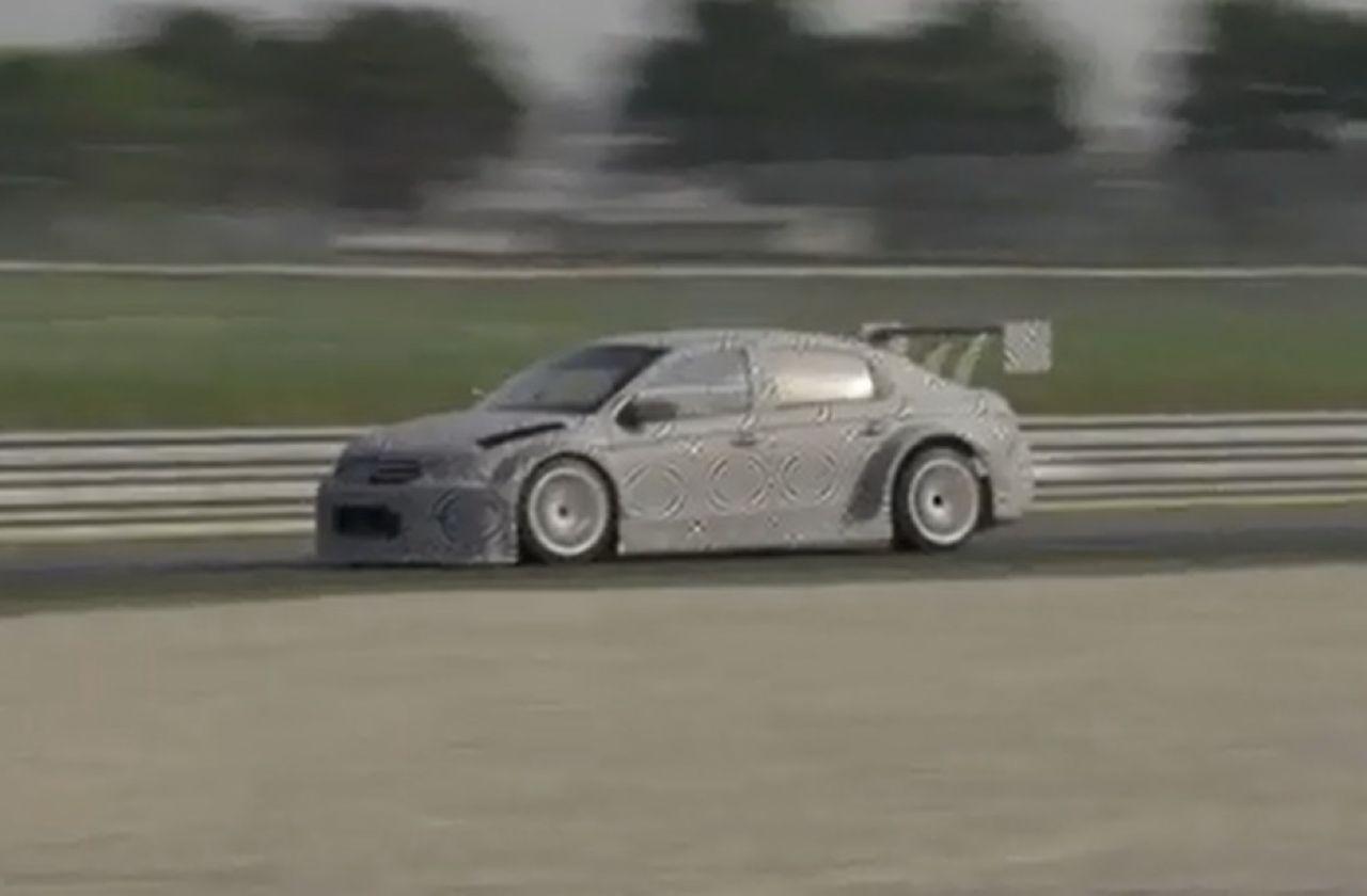 VIDEO : Sébastien Loeb au volant de la Citroën C-Elysée WTCC
