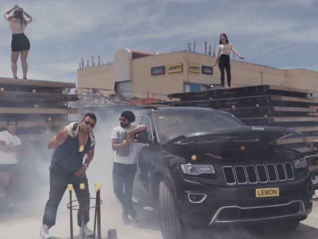 Il créé un clip de rap pour dénoncer Jeep