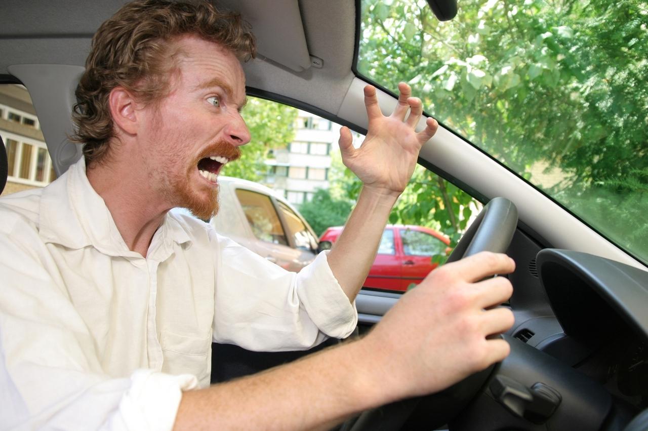 Certains ne font pas que conduire...