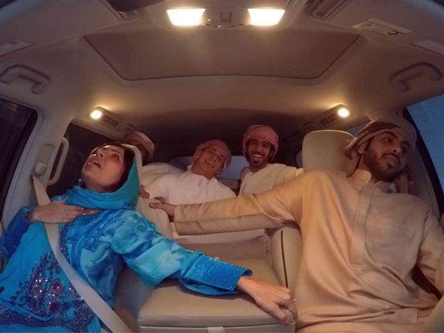 Vidéo : elle n'aime vraiment pas les acrobaties en voiture