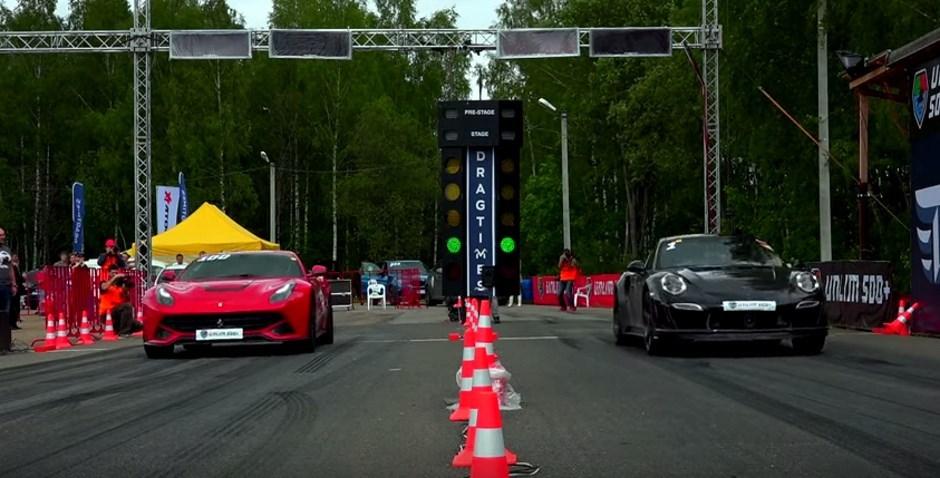 Vidéo : le fou qui défiait une Porsche 911 au drag race