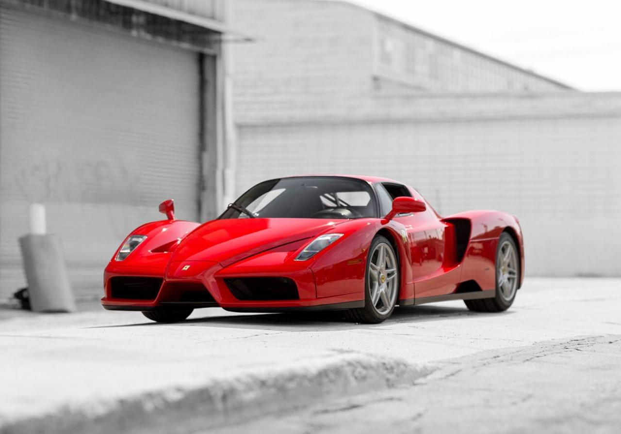 La Ferrari Enzo du pape vendue près de 5,5 millions d'euros