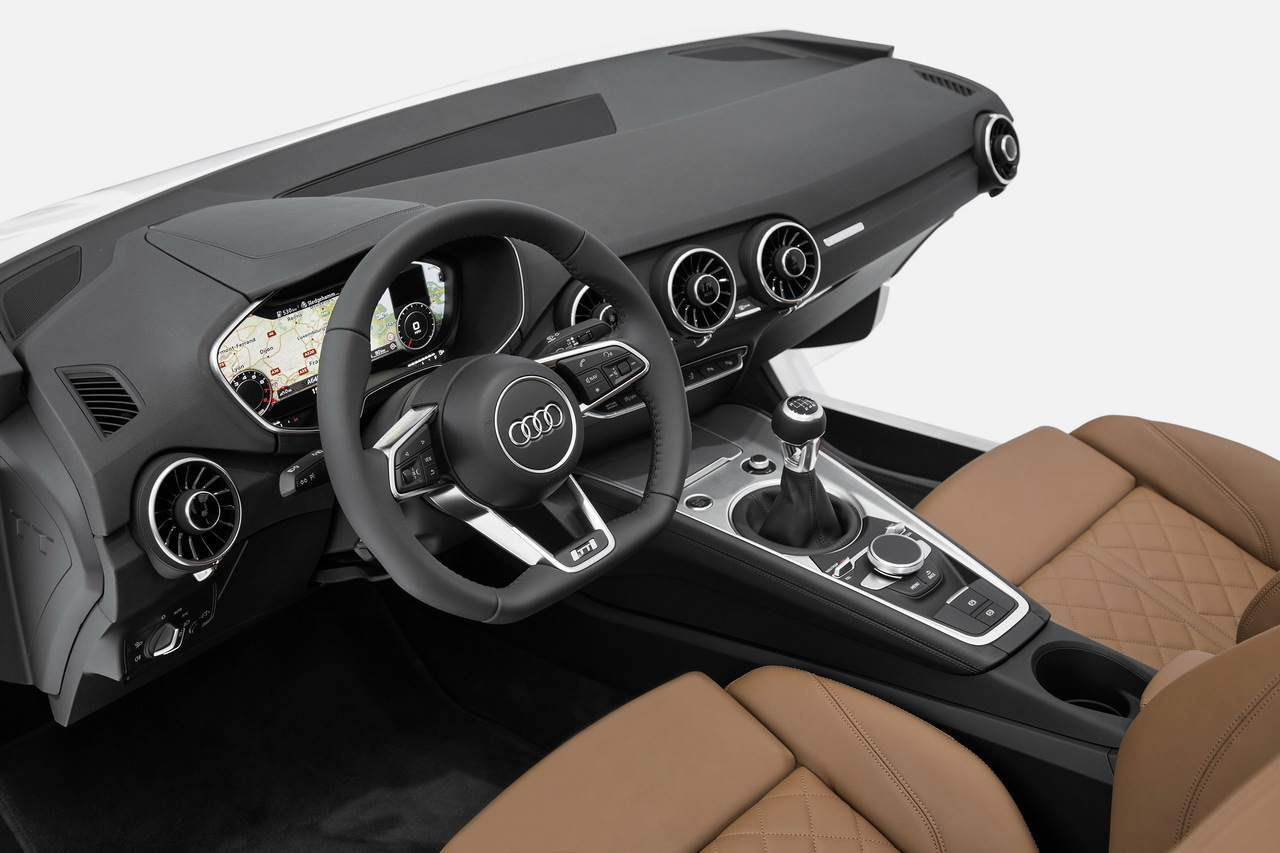 Future Audi TT 2014 : première photo de la planche de bord