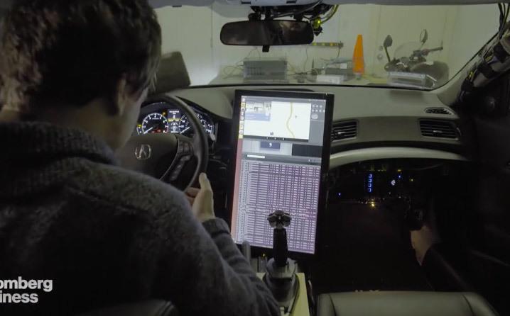 Ce petit génie a fabriqué une voiture autonome dans son garage