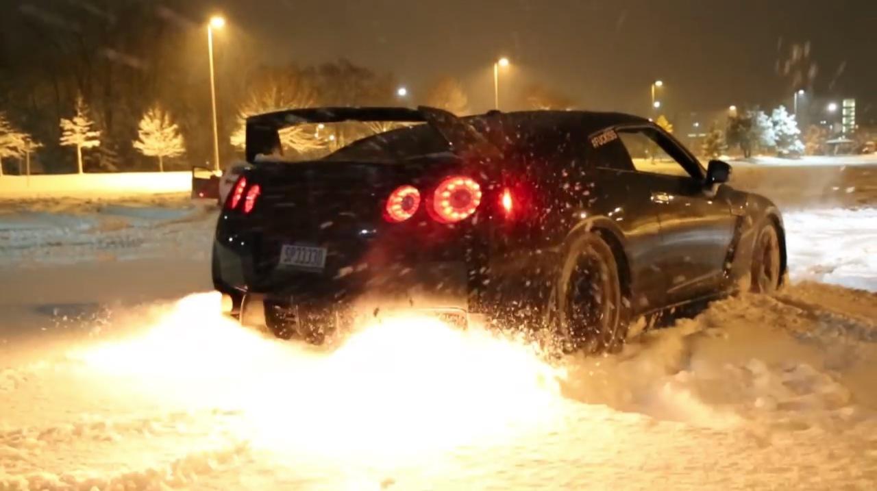 Les joies de la neige en Nissan GT-R