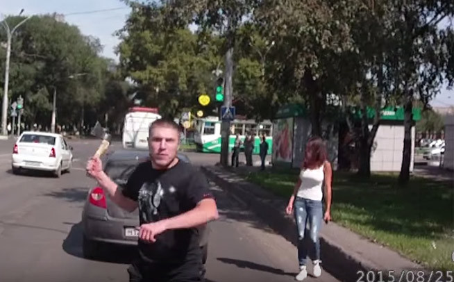 Vidéo : le psychopathe à ne pas rencontrer en voiture