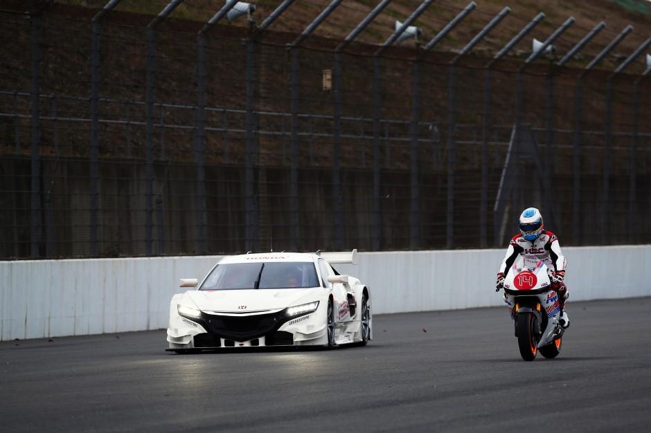 Séance d'échangisme entre pilotes chez Honda