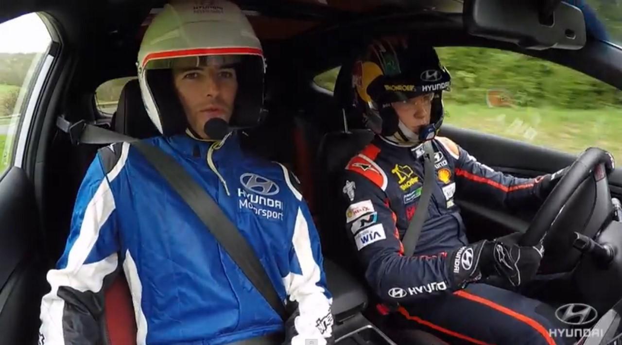 Hyundai embarque les joueurs de l'OL en copilotes de Neuville