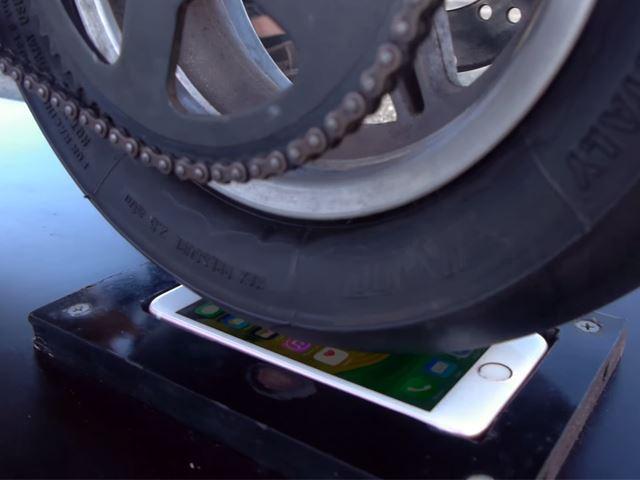 Un burn sur un Iphone 6 et le téléphone fonctionne encore !