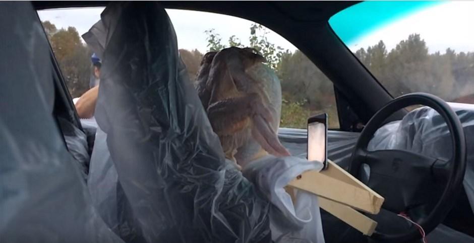 Vidéo : smartphone et airbags ne font pas bon ménage