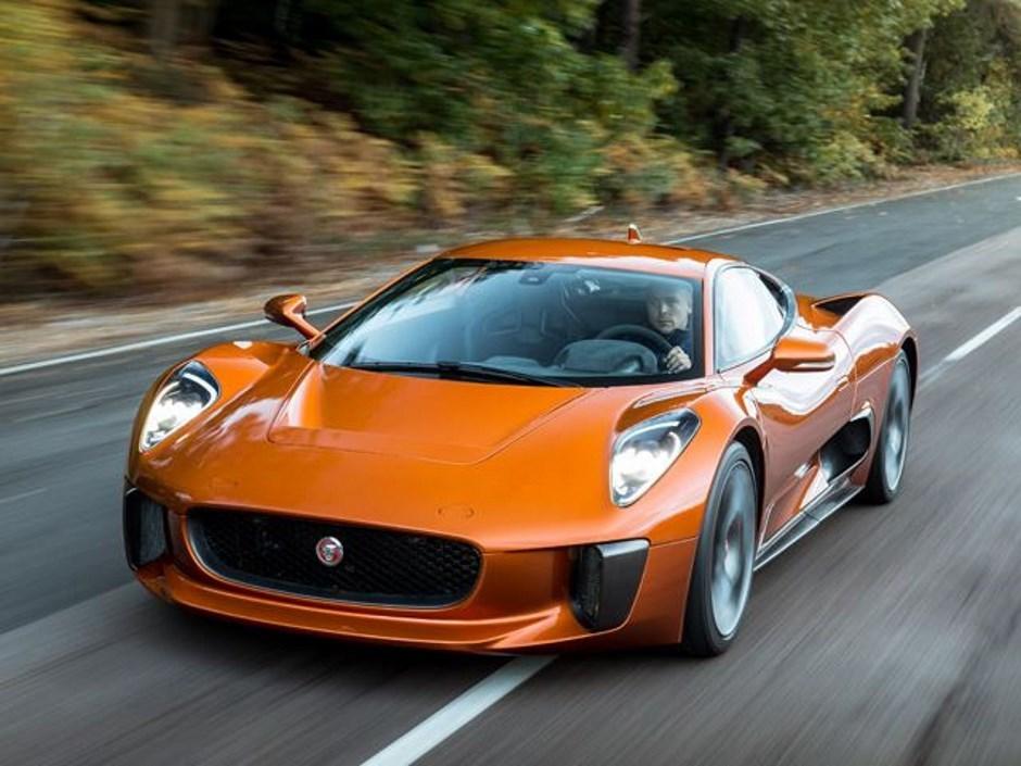 Jaguar : les photos de la C-X75 qui n'existe pas