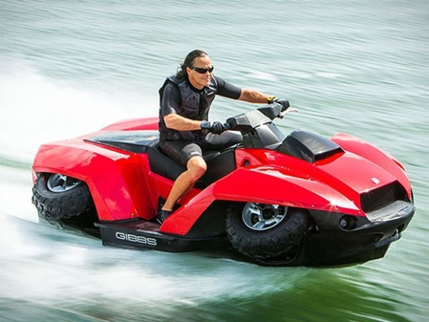 news auto le fun ultime le quad jet ski 321auto