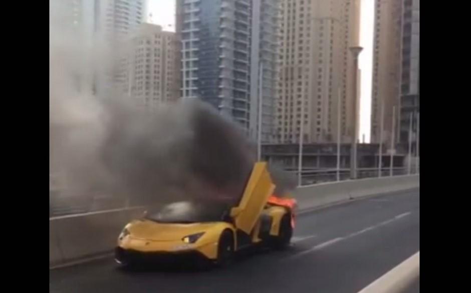 Vidéo : une Lamborghini Aventador en feu à Dubaï