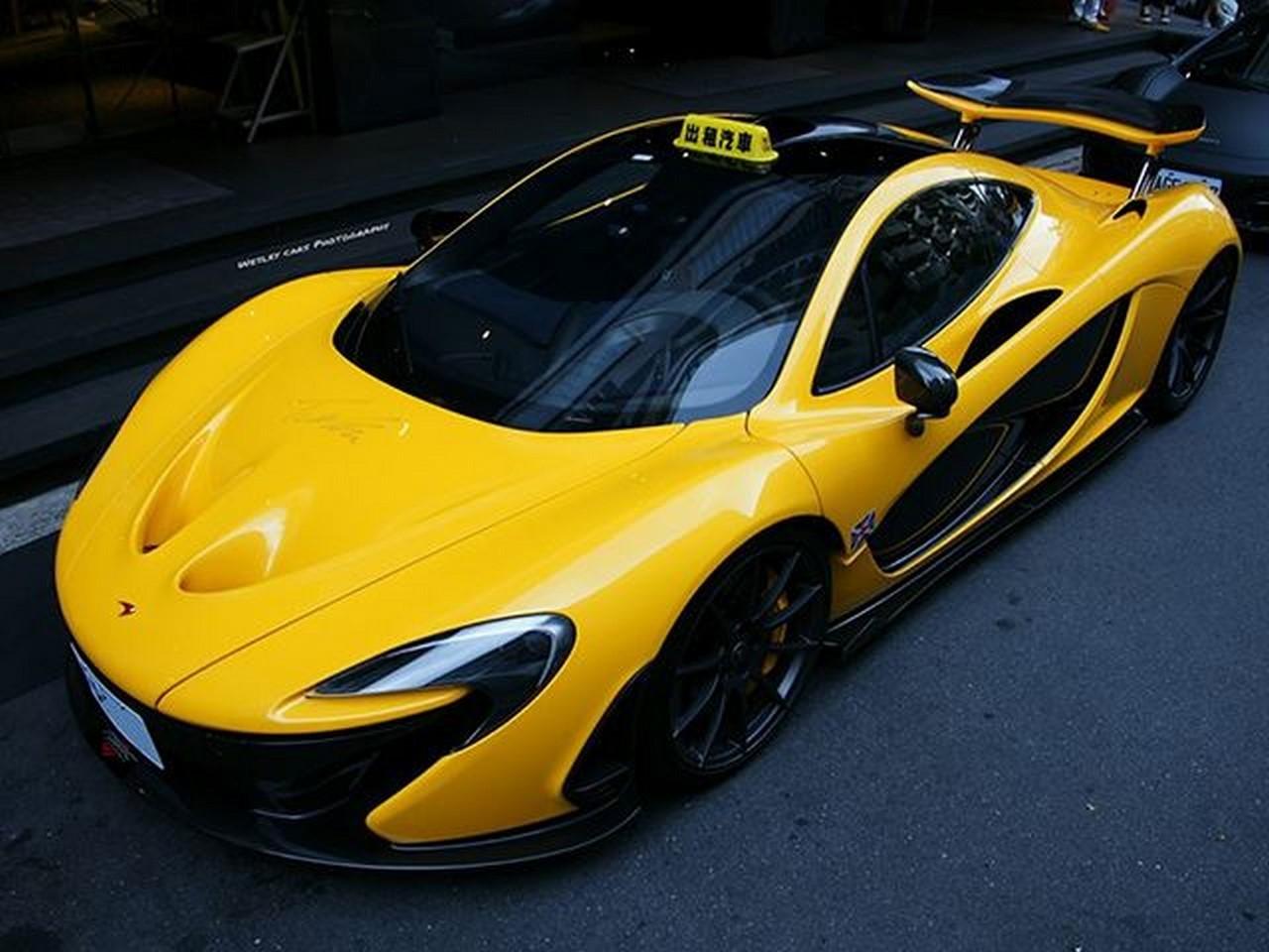 Insolite : une McLaren P1 version taxi