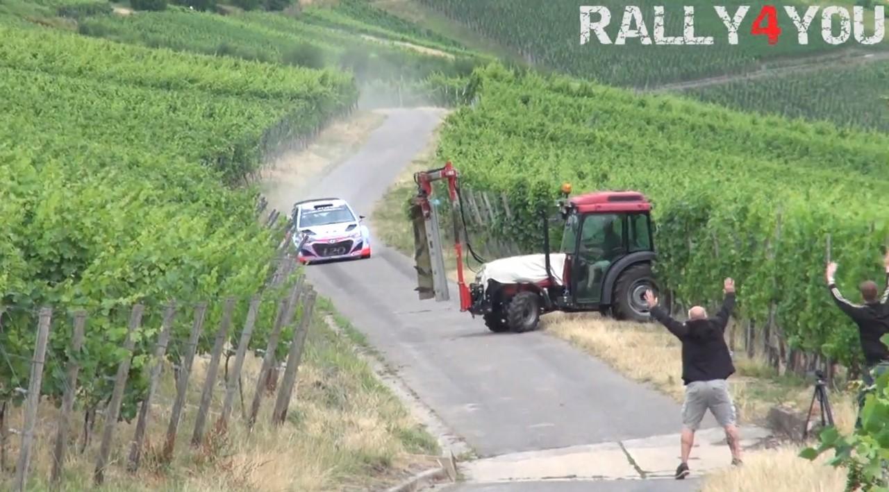Vidéo : Thierry Neuville évite de justesse un tracteur avec sa Hyundai