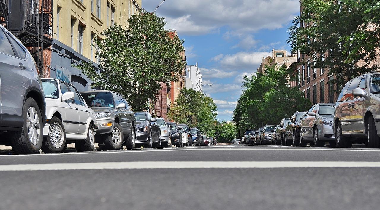 Le marché du stationnement : acheter une place de parking ou un box