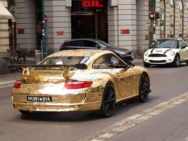 Il fabrique une Porsche 911 avec des pièces de vélo