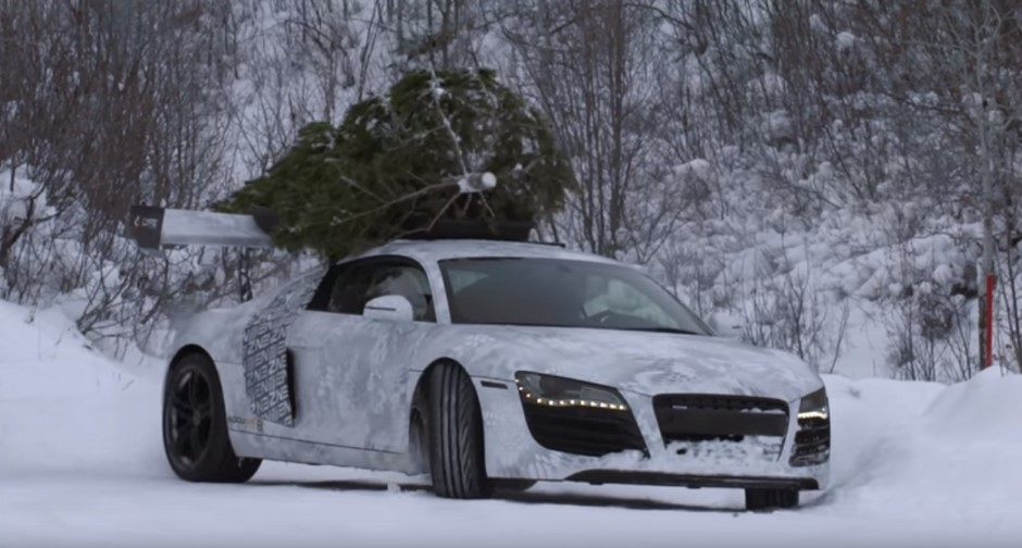 Vidéo : du drift en R8 avec un sapin sur le toit