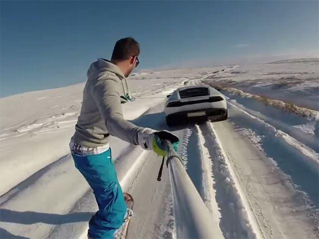 Du snowboard tiré par une Lamborghini