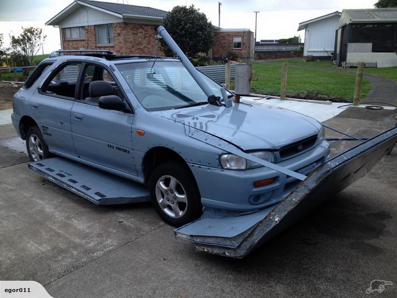 Insolite : la Subaru Impreza transformée en voiture amphibie
