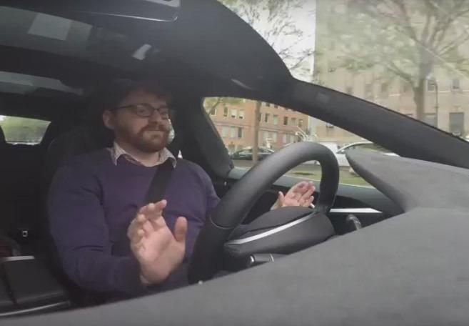 Vidéo : à bord de la Tesla à pilotage automatique