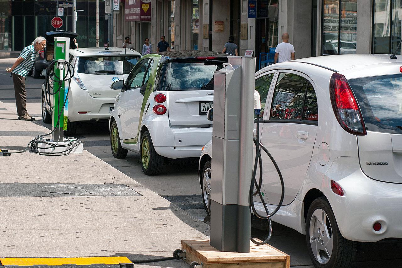 Insolite : Gagner de l'argent en rechargeant sa batterie de voiture