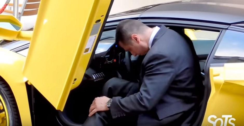 Fail : le voiturier trop grand pour la Lamborghini