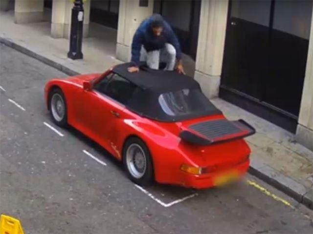 Vidéo : tentative de vol d'une 911 pleine rue